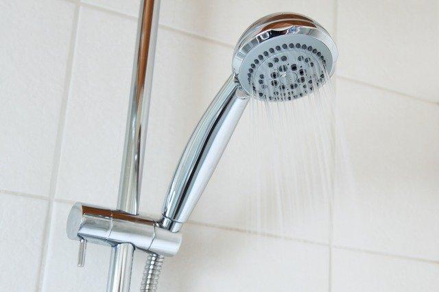 ¿Qué es el agua caliente sanitaria? Características de sistemas ACS